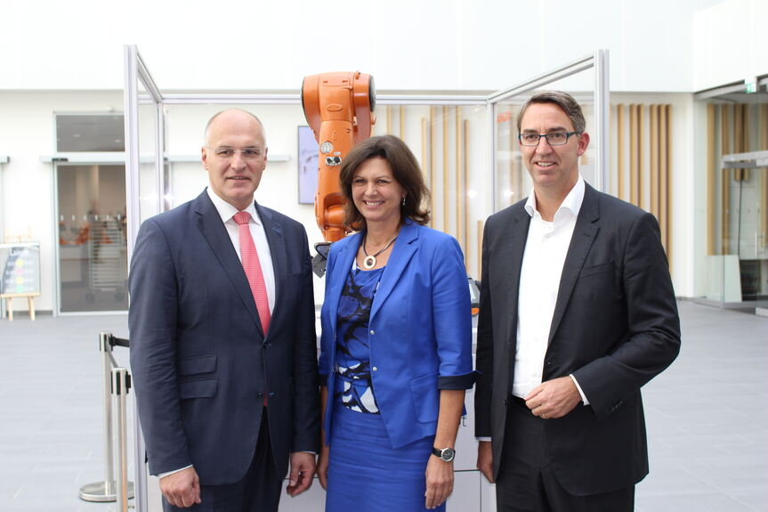 Mehr als 100 Millionen Euro für Kuka in Augsburg