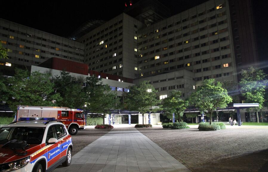 Großeinsatz nach Dehnungsfugenbrand am Klinikum Augsburg